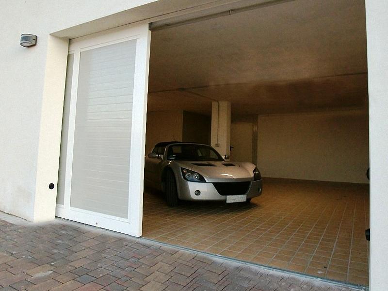 Сдвижные ворота в гараж